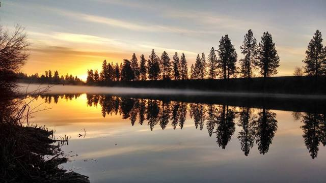 sunset on the Spokane River in Spokane Valley Washington